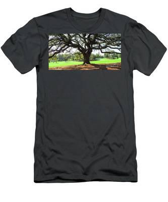 Under An Augusta Oak Men's T-Shirt (Athletic Fit)