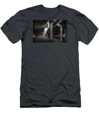 Under The Overpass I Men's T-Shirt (Athletic Fit)