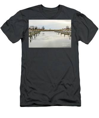 Waterfront Park In Ludington, Michigan Men's T-Shirt (Athletic Fit)