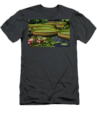 Waterlilies North And South Men's T-Shirt (Athletic Fit)