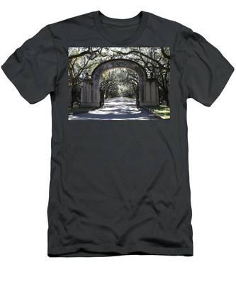 Wormsloe Plantation Gate Men's T-Shirt (Athletic Fit)