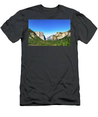 Yosemite Valley- Men's T-Shirt (Athletic Fit)