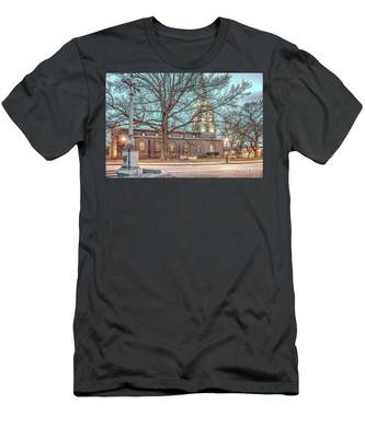 Saint Annes Circle With Fountain Men's T-Shirt (Athletic Fit)