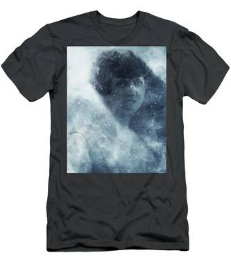 Beauty In The Snow Men's T-Shirt (Athletic Fit)