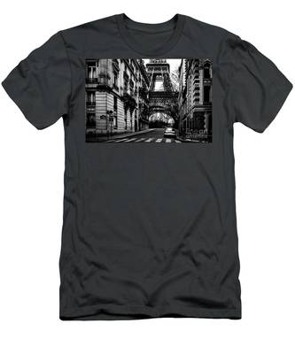 Eiffel Tower - Classic View Men's T-Shirt (Athletic Fit)