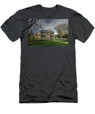 Springtime At Longfellow House Men's T-Shirt (Athletic Fit)