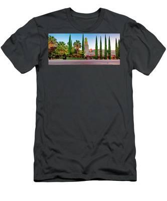 Tower Cafe Dusk- Men's T-Shirt (Athletic Fit)