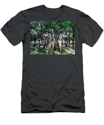 Vietnam Veteran Memorial Men's T-Shirt (Athletic Fit)