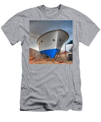 a resting boat in Jaffa port Men's T-Shirt (Athletic Fit)