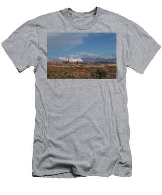 Arches National Monument Utah Men's T-Shirt (Athletic Fit)