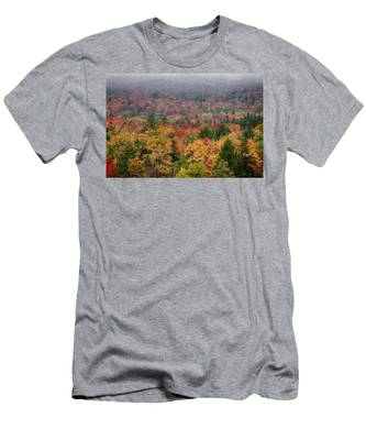 Men's T-Shirt (Athletic Fit) featuring the photograph Cabin In Vermont Fall Colors by Jeff Folger