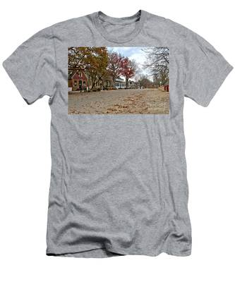 Lonely Colonial Williamsburg Men's T-Shirt (Athletic Fit)