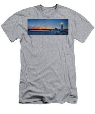 Men's T-Shirt (Athletic Fit) featuring the photograph Sunset At Scituate Light by Jeff Folger