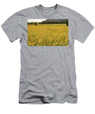 Field Of Yellow Daisy's Men's T-Shirt (Athletic Fit)