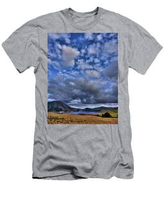 Twitchell Reservoir  Men's T-Shirt (Athletic Fit)
