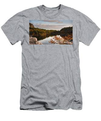 Mohonk Mountain House Lake Men's T-Shirt (Athletic Fit)