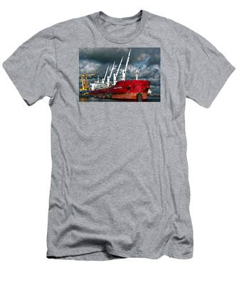 Port Of Amsterdam Men's T-Shirt (Athletic Fit)