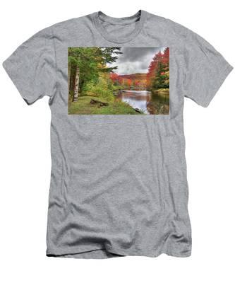 A Place To View Autumn Men's T-Shirt (Athletic Fit)