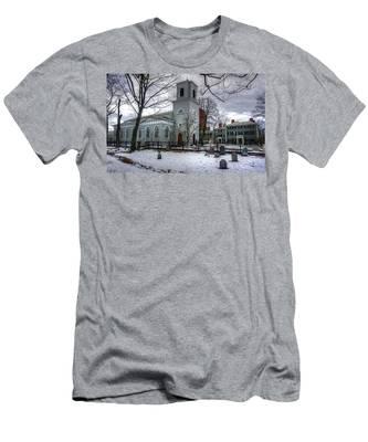 Christ Church In Cambridge Men's T-Shirt (Athletic Fit)