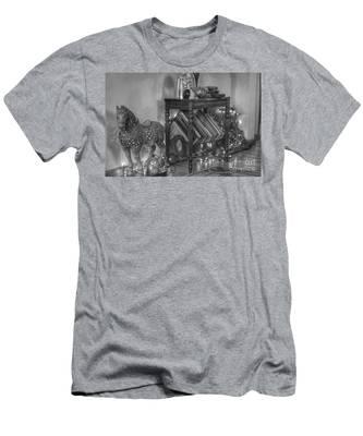 Christmas Horse Men's T-Shirt (Athletic Fit)