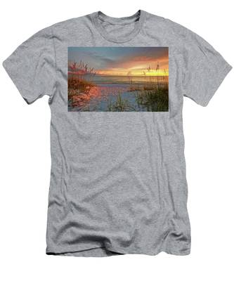 Evening At The Beach Men's T-Shirt (Athletic Fit)