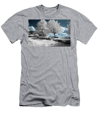 Falls Of The Ohio State Park Men's T-Shirt (Athletic Fit)