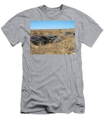 Fence Bails Men's T-Shirt (Athletic Fit)