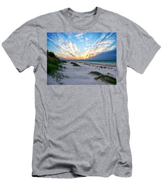 Harbor Island Sunset Men's T-Shirt (Athletic Fit)