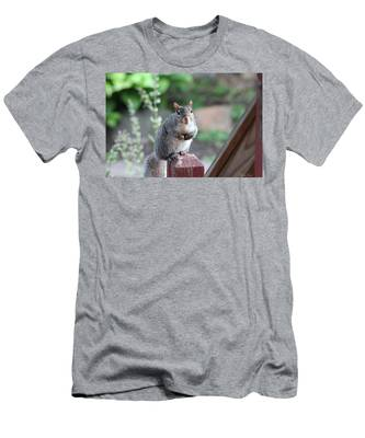 Mama Squirrel Men's T-Shirt (Athletic Fit)