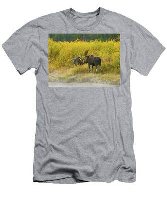 Moose Couple Men's T-Shirt (Athletic Fit)