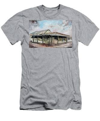 Royal Hotel, Birdsville Men's T-Shirt (Athletic Fit)