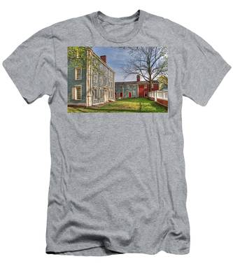 Royall House And Slave Quarters Men's T-Shirt (Athletic Fit)