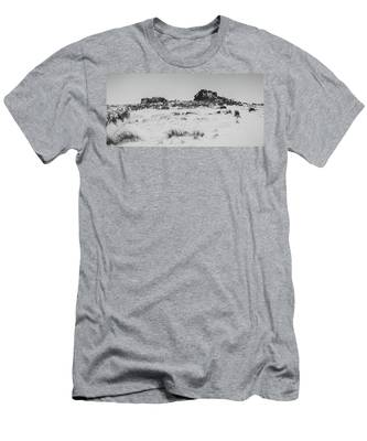 South Hessary Tor In The Snow Men's T-Shirt (Athletic Fit)