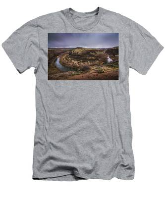 Verde River Horseshoe Men's T-Shirt (Athletic Fit)
