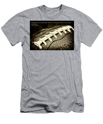 Vince Lombardi Perfection Quote Men's T-Shirt (Athletic Fit)