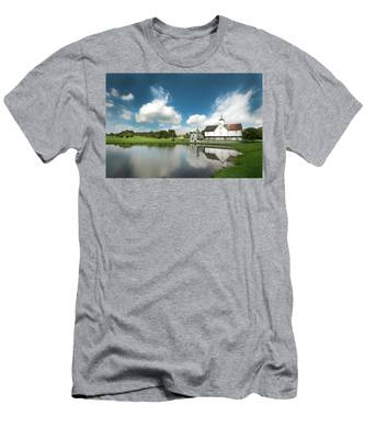 Old Star Barn And Pond Reflection Men's T-Shirt (Athletic Fit)