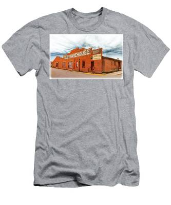 Men's T-Shirt (Athletic Fit) featuring the photograph Old Warehouse In Farmville Virginia by Ola Allen