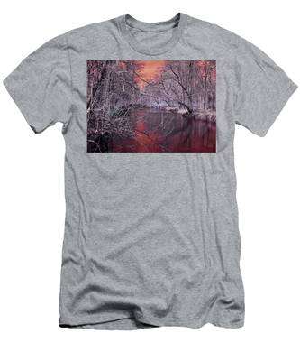 Red Creek Men's T-Shirt (Athletic Fit)