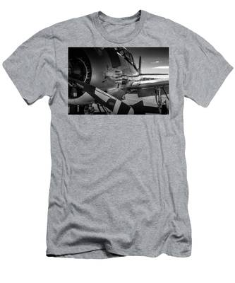 T-28b Trojan In Bw Men's T-Shirt (Athletic Fit)