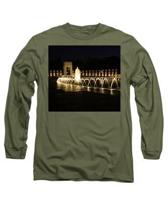 World War Memorial Long Sleeve T-Shirt