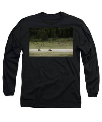 Capilla Long Sleeve T-Shirts