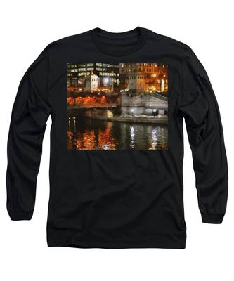 Chicago River At Michigan Avenue Long Sleeve T-Shirt