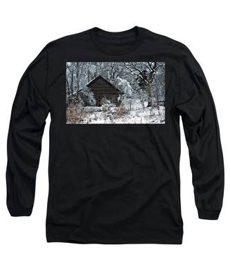 Snow Covered Barn Long Sleeve T-Shirt