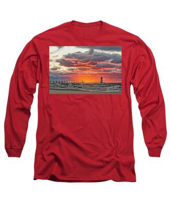 Sun Sinking Below The Horizon Long Sleeve T-Shirt