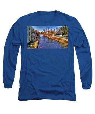 The Canal At New Hope In Winter Long Sleeve T-Shirt