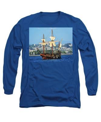 The San Salvador Long Sleeve T-Shirt