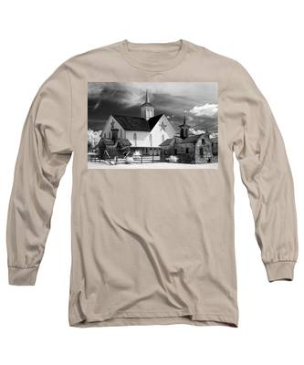 Star Barn Complex In Infrared Long Sleeve T-Shirt
