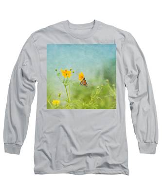 In The Garden - Monarch Butterfly Long Sleeve T-Shirt