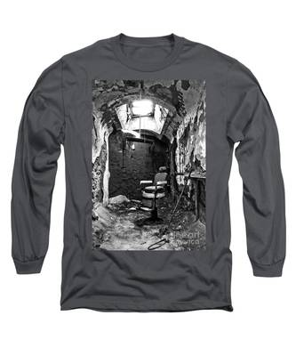 The Barber Chair - Bw Long Sleeve T-Shirt