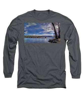 Bridge Over The Delaware River In Winter Long Sleeve T-Shirt